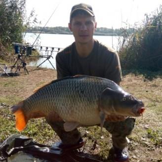 Карп весом 12 кг, пойманный на Марьевском водохранилище бойл КРЕВЕТКА•СПЕЦИИ>